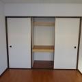 収納(和室ベランダ側)写真は103号室のものとなります。