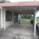 屋根付きガレージ